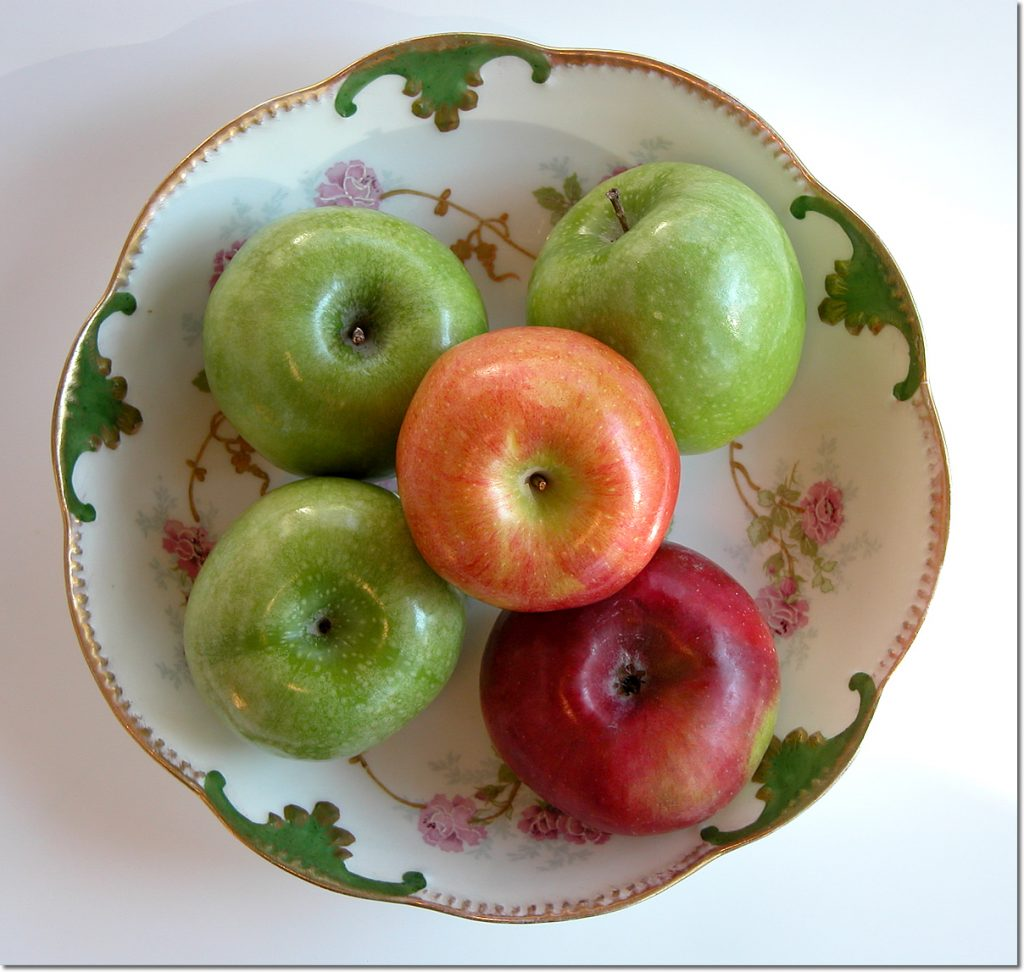 Limoges bowl with apples